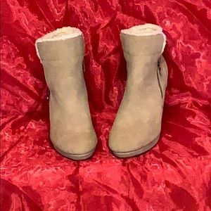 PARKER & SKY WEDGE ANKLE BOOTS NWT SIZE 8 1/2